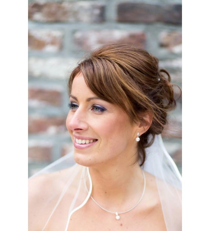 Een stralende bruid met mooie make-up